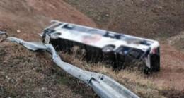 Yolcu otobüsü devridi 12 yaralı