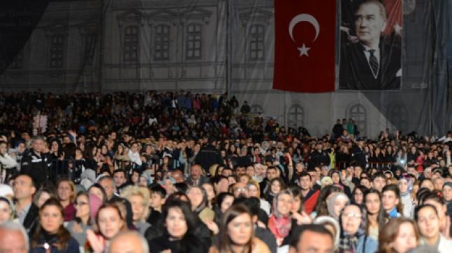 Sivas, Mustafa Ceceli ve Sevcan Orhan ile coştu