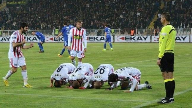 Sivas'ı Chahechouhe Uçurdu: 2-0