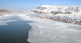 Serpincik Gölü buzla kaplandı