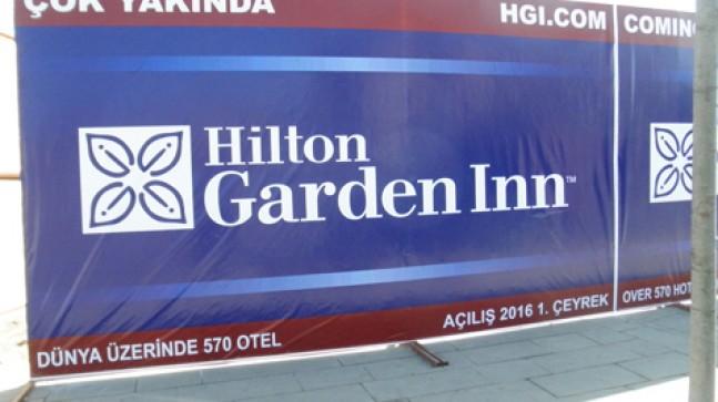 Hilton geliyor