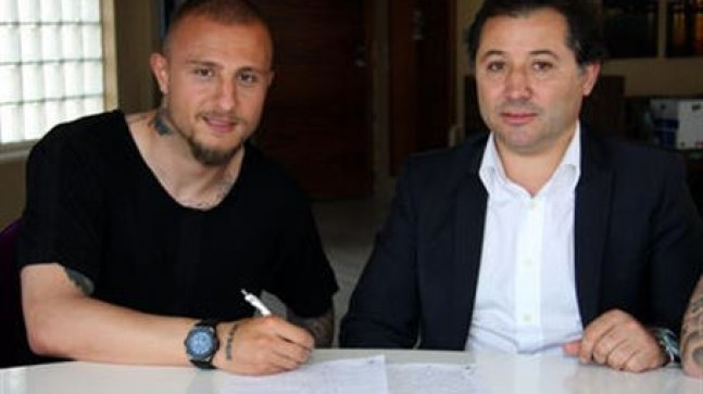 Aydın Karabulur Bursaspor ile anlaştı