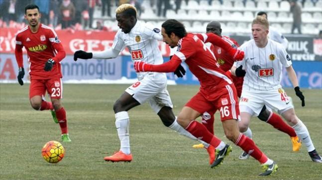 Sivasspor'da işler kötü gidiyor 1-2