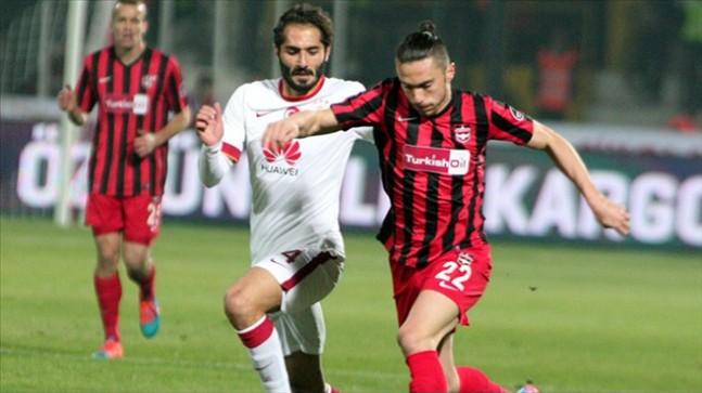 Sivasspor boştaki oyuncuyu transfer etti