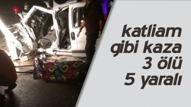 Sivasta feci kaza:3 ölü  5 yaralı