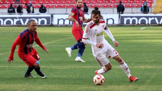 Sivasspor-Manisaspor maçı Serkan Tokat'ın