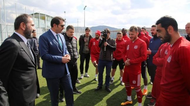 Vali Salih Ayhan Demir Grup Sivasspor'u Ziyaret Etti